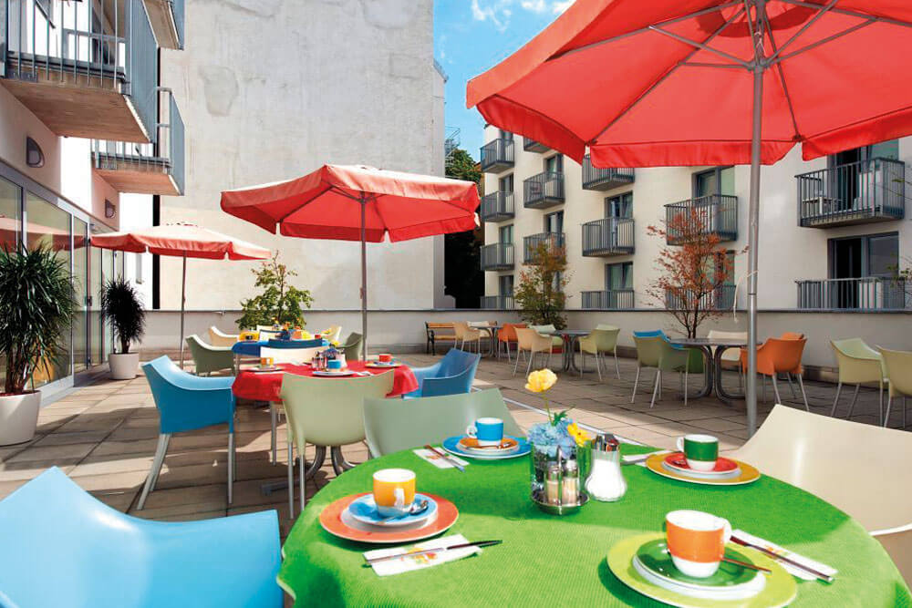 kwz wien hotel kolping zentral terrasse staedtereise projektwoche projekttage jugendherberge