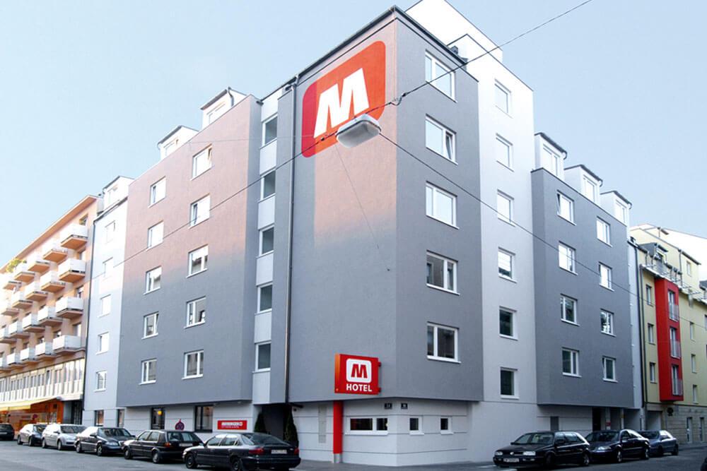 mbh berlin meininger hotel hauptbahnhof aussen projektwoche klassenfahrt staedtreise hostel