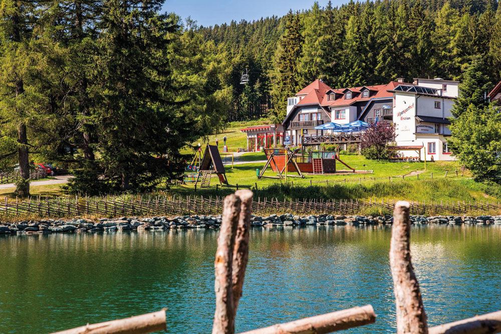 mon alpengasthof enzian moenichkirchen see aussen projektwoche projekttage schullandwoche jugendherberge