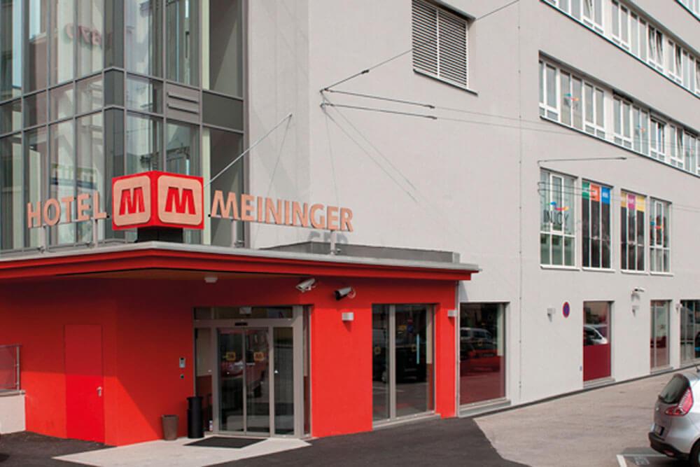 msa salzburg meininger hotel aussen projektwoche klassenfahrt staedtreise hostel