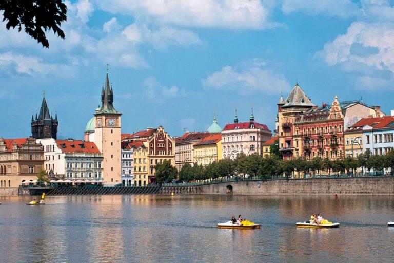 prag moldau bootfahren staedtereise projektwoche klassenfahrt