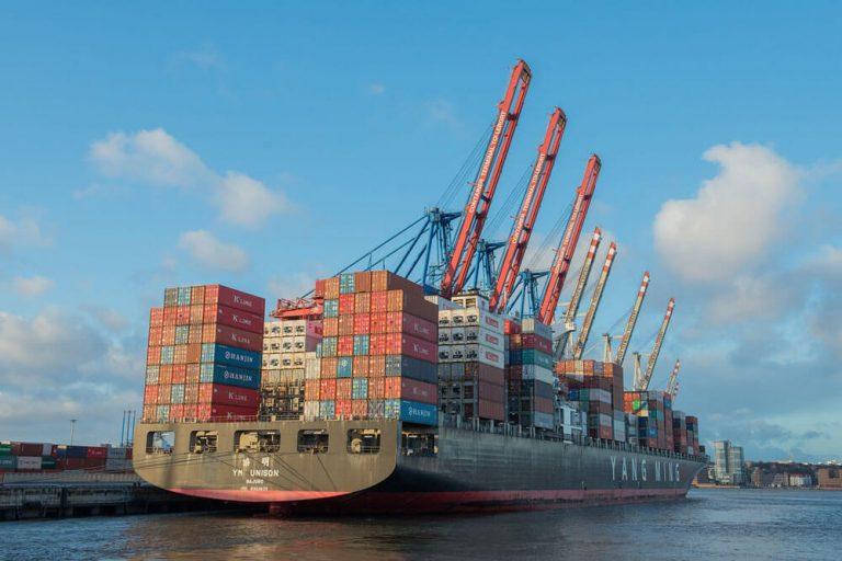 hamburg containerschiff innenstadt staedtereise projektwoche klassenfahrt schule