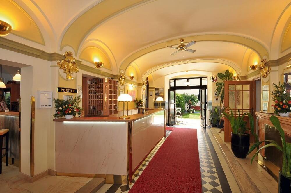 hpr hotel praterstern wien halle blick in den garten projektwoche klassenfahrt staedtereise hotel